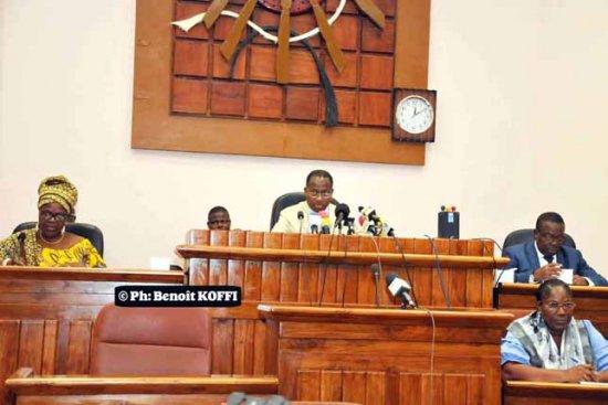Renouvellement de mandat à la Cour constitutionnelle L'Assemblée nationale désigne ses membres ce jour :