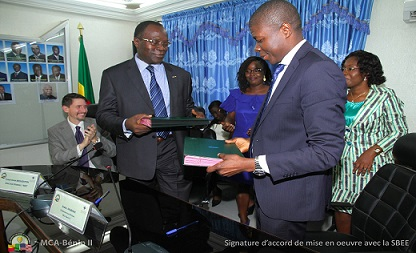 Signature de l'accord de mise en œuvre du programme du MCA-BENIN II avec la SBEE