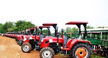Mécanisation agricole: 480 kits de tracteurs au profit des producteurs