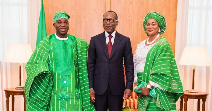 Présentation de lettres de créance:Pacte scellé entre l'Ambassadeur Oguntuasé et Talon