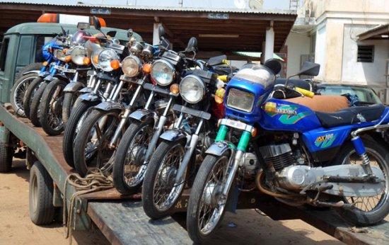 Lutte contre l'insécurité dans l'arrondissement d'Akassato : Trois malfrats spécialisés dans le vol de motos arrêtés à Adjagbo
