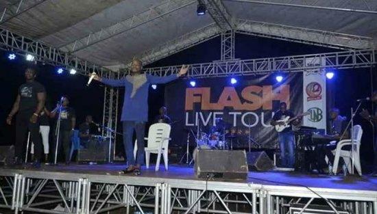 Lancement de Flash live Tour à Tori-Bossito Un événement réussi pour Richard Flash