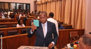 Assemblée nationale: La révision de la Constitution non approuvée