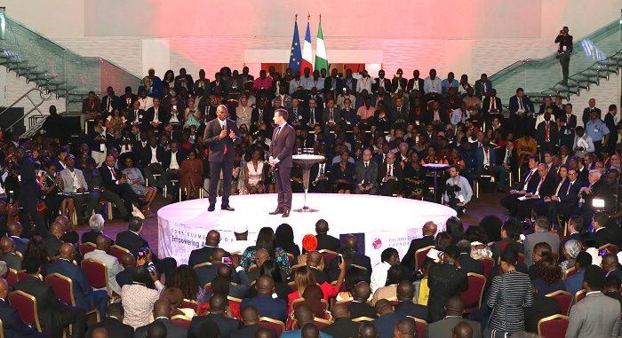 2000 JEUNES ENTREPRENEURS AFRICAINS EN INTERACTIVITE AVEC TONY ELUMELU ET MACRON
