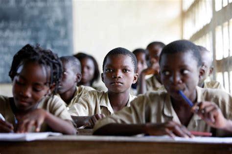 Déficit d'enseignants dans le public Le gouvernement fait recours au privé pour combler le vide