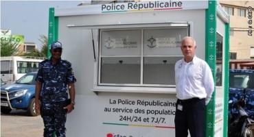 Amélioration des conditions de travail de la Police républicaine : Cfao Motors Bénin offre trois cabines mobiles