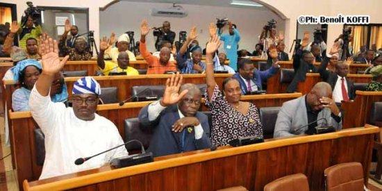 Elections législatives inclusives : Trois propositions de lois dont la révision de l'article 80 de la Constitution