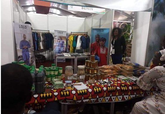 Foire commerciale et d'échanges culturels Le créateur de mode Charlemagne AMOUSSOU,…