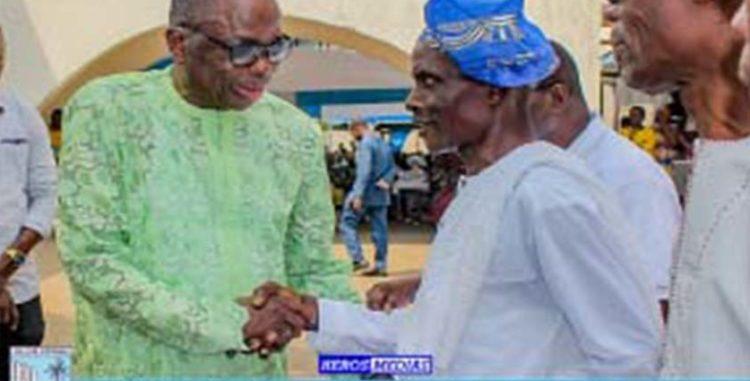 Présentation de vœux à la mairie de Cotonou: Gnonlonfoun honore les agents méritants