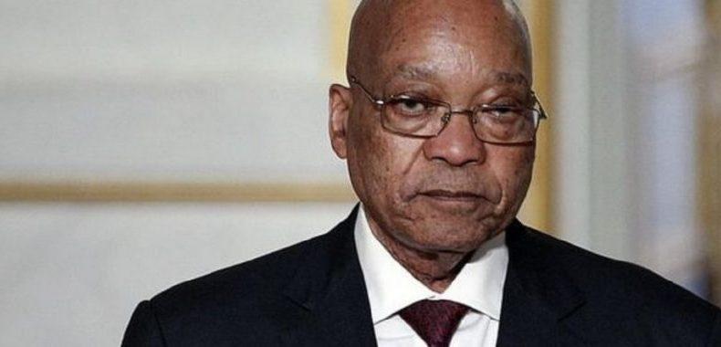 Afrique du Sud: Censé se rendre à la police, Jacob Zuma tergiverse